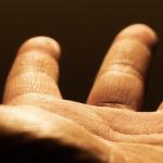 Рука дающая_у1
